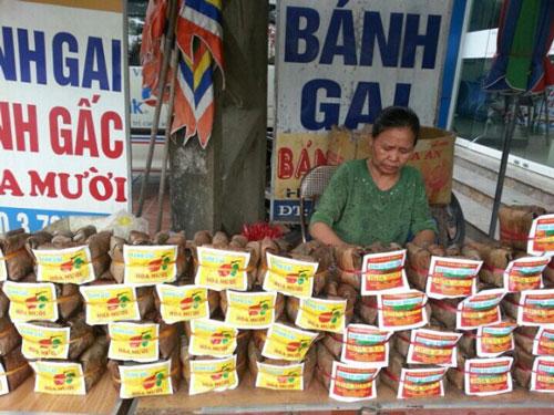 Bánh gai Ninh Giang được bày bán nhiều ở Hải Dương