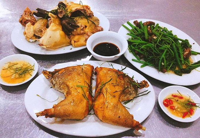 Nhiều món ăn thơm ngon được chế biến từ gà mạnh hoạch