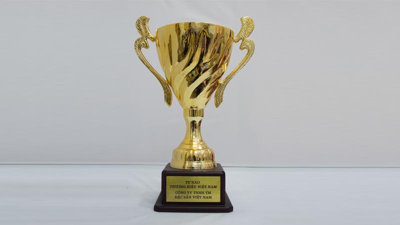 Cup tự hào thương hiệu Việt Nam